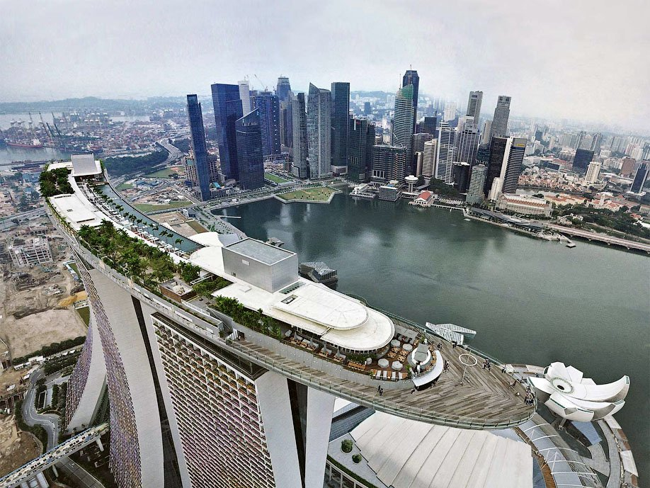 Отель Marina Bay Sands в Сингапуре: бассейн на краю бездны