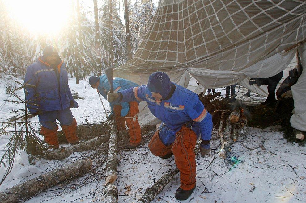 Тренировка экстремального приземления в зимнем лесу около Звездного городка