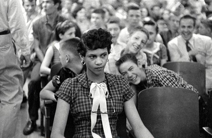 15-летняя «цветная» девушка Dorothy Counts