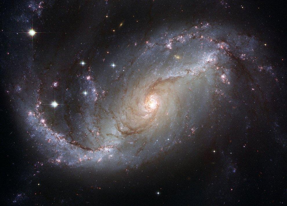 Спиральная галактика NGC 1672
