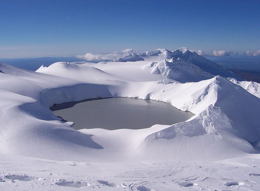 Кратерное озеро на горе Руапеху, Новая Зеландия