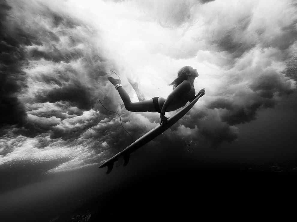 Подводный серфингист