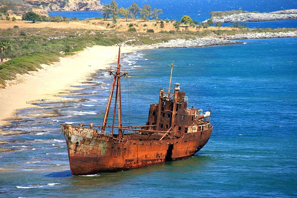 Заброшенные И Пострадавшие Корабли (Фото)