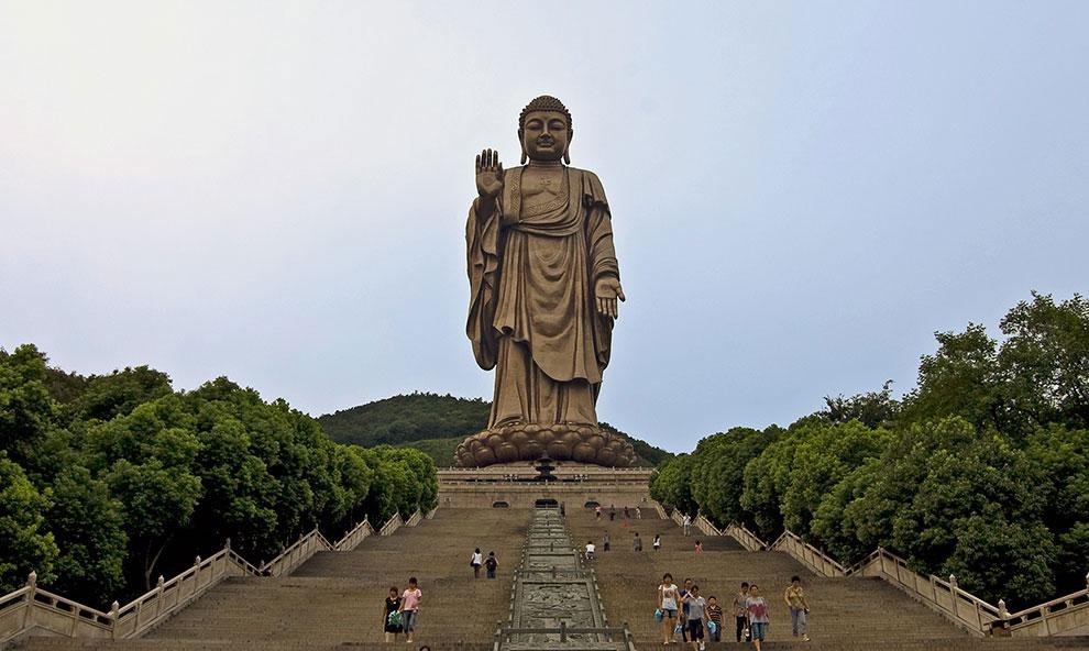 Статуя Будды в Уси