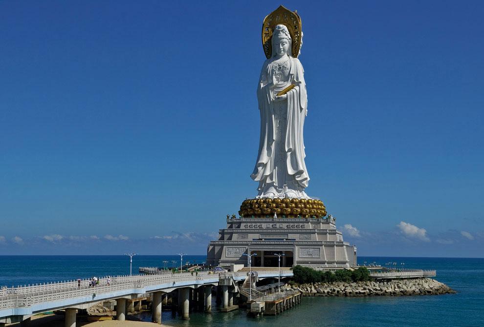 Статуя Гуаньинь в Санья