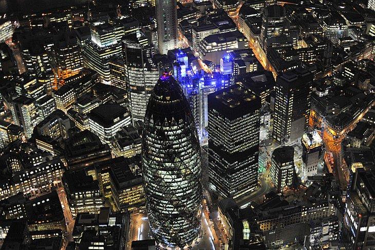Англия и ночной Лондон