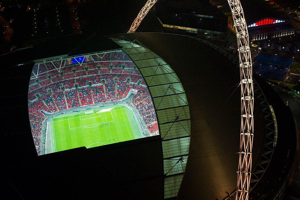 Футбольный стадион Уэмбли