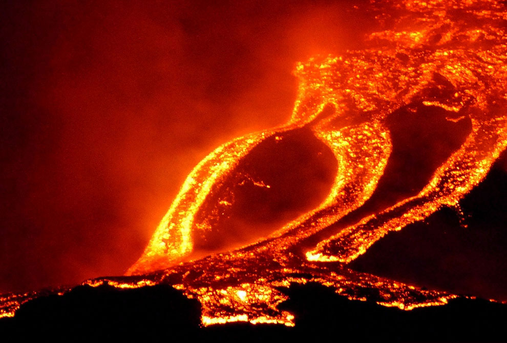 Извержение лавы