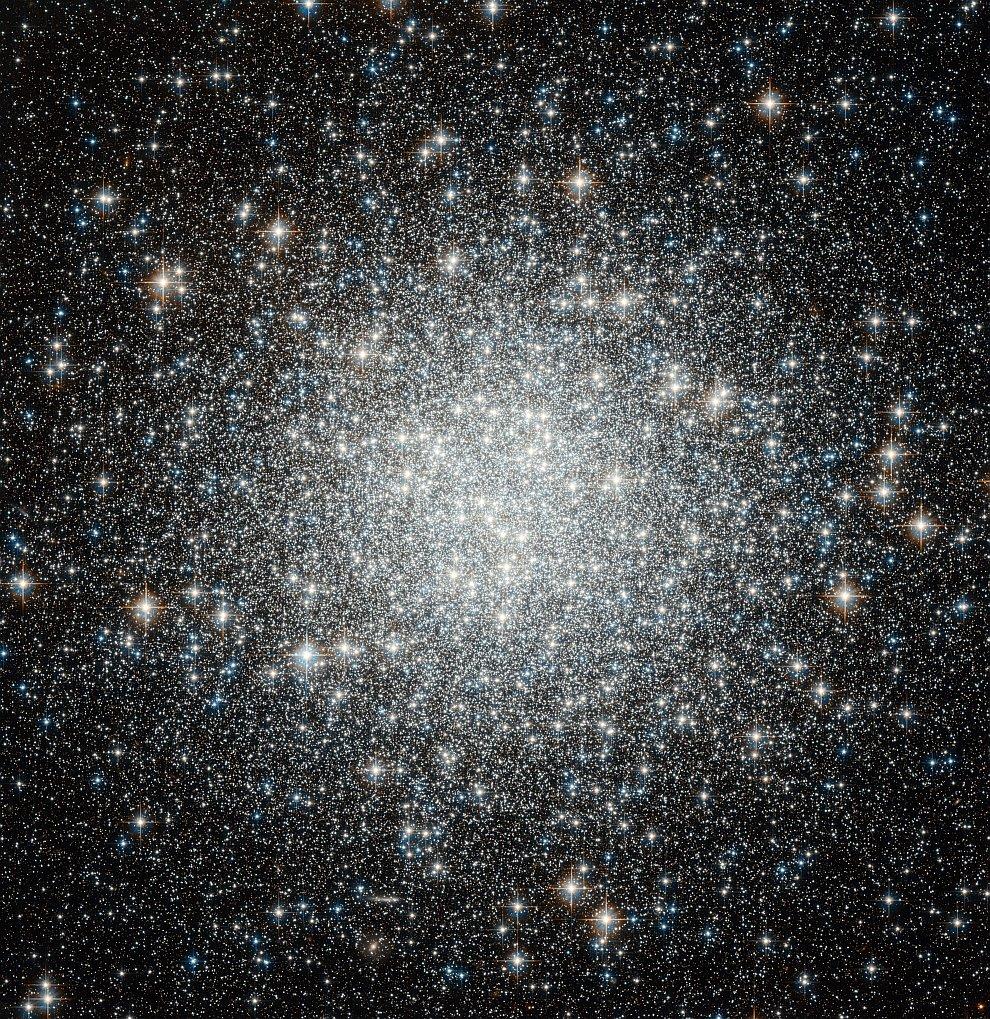 Голубые звезды в шаровом скоплении M53