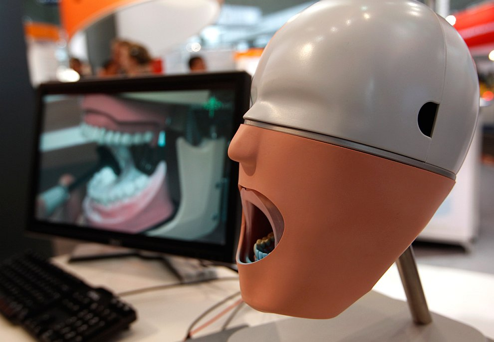 Интересные симуляторы зубных протезов