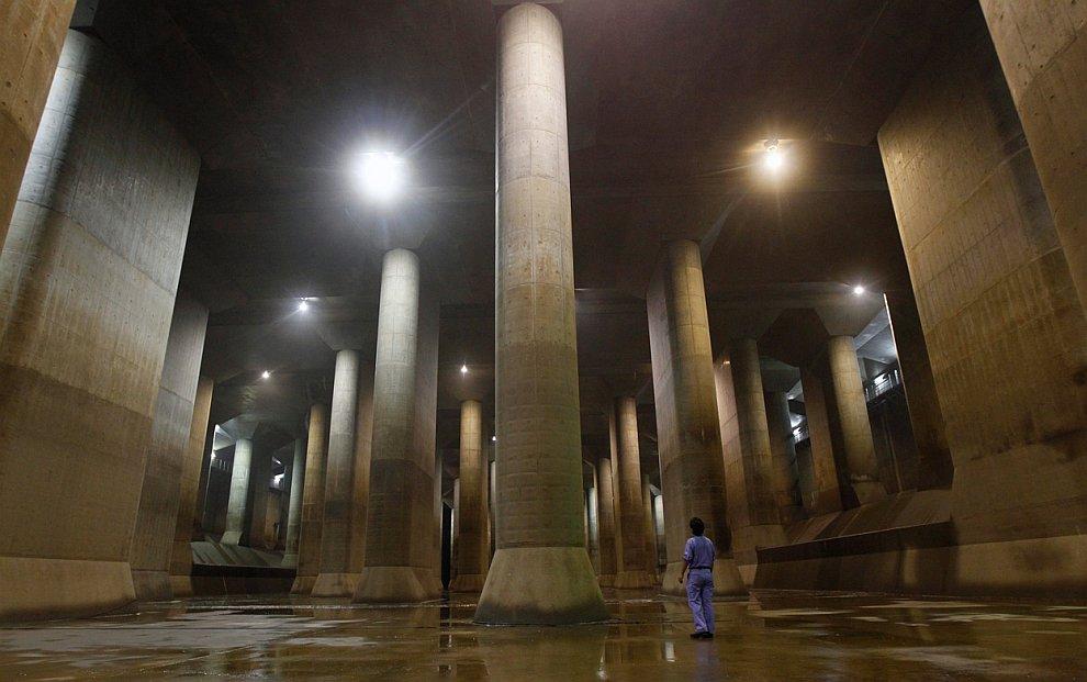 Крупнейший в мире туннель водосброса