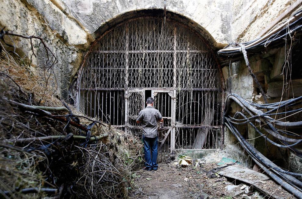 Вход в сеть тоннелей, являющейся частью старой железной дороги Мальты