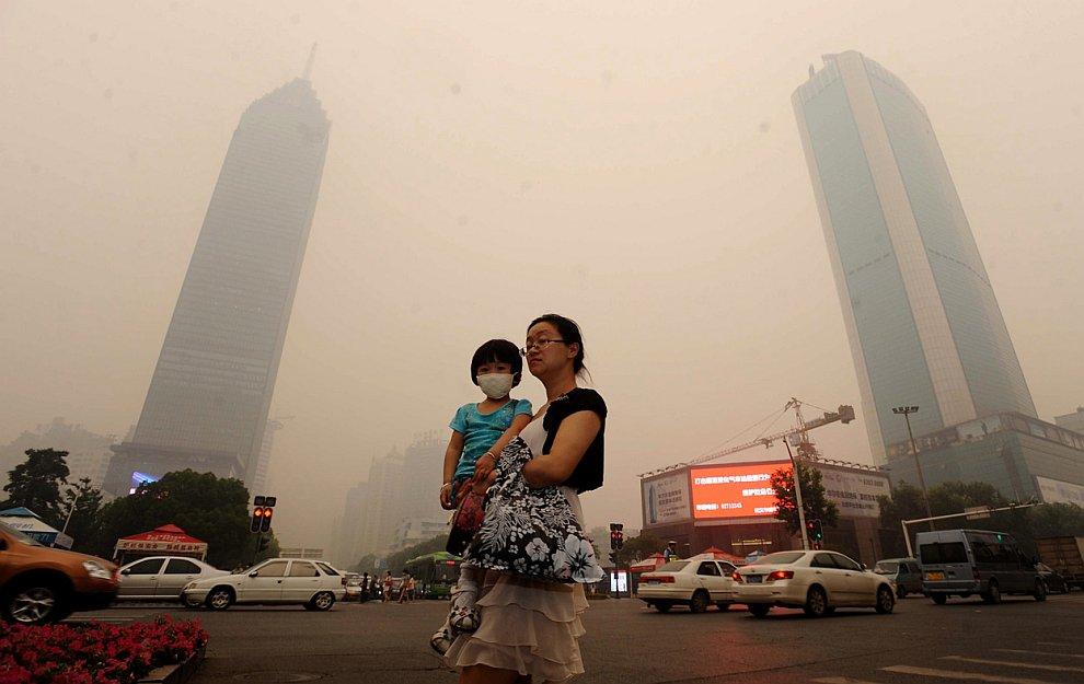 Самый густонаселенный город центрального Китая Ухань