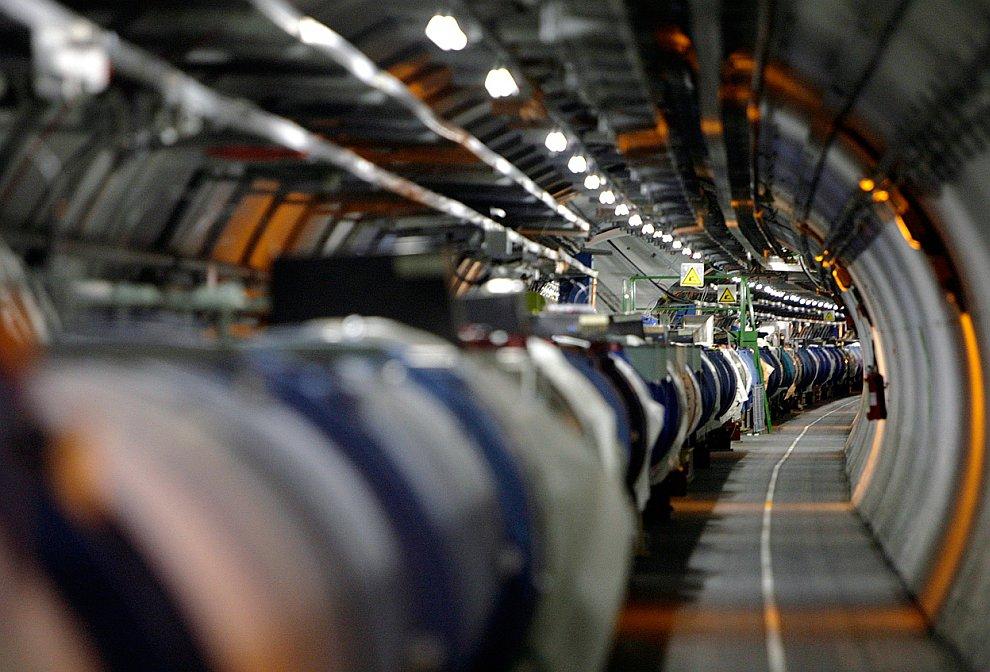 Кольцевой ускоритель Большого адронного коллайдера
