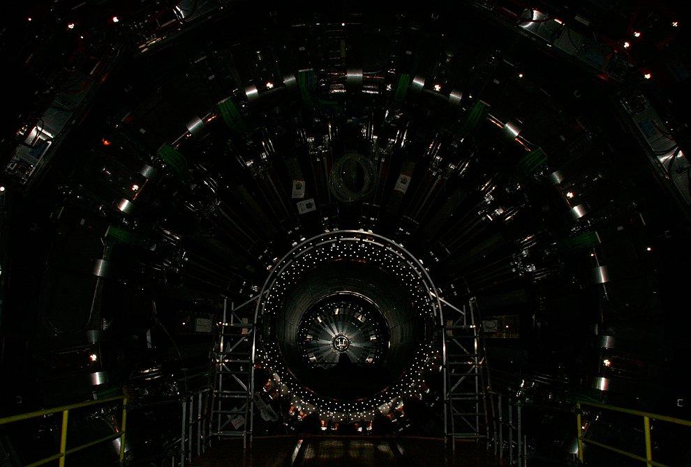 Наблюдения за бозонами Хиггса
