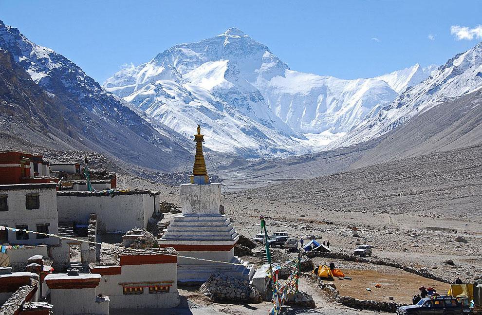 Азия — гора Эверест, 8 848 м