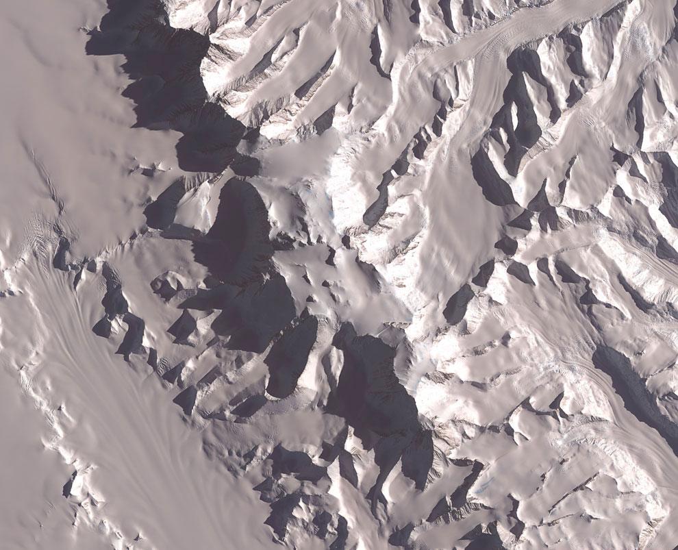 Антарктида — Массив Виндсон, 4 892 м
