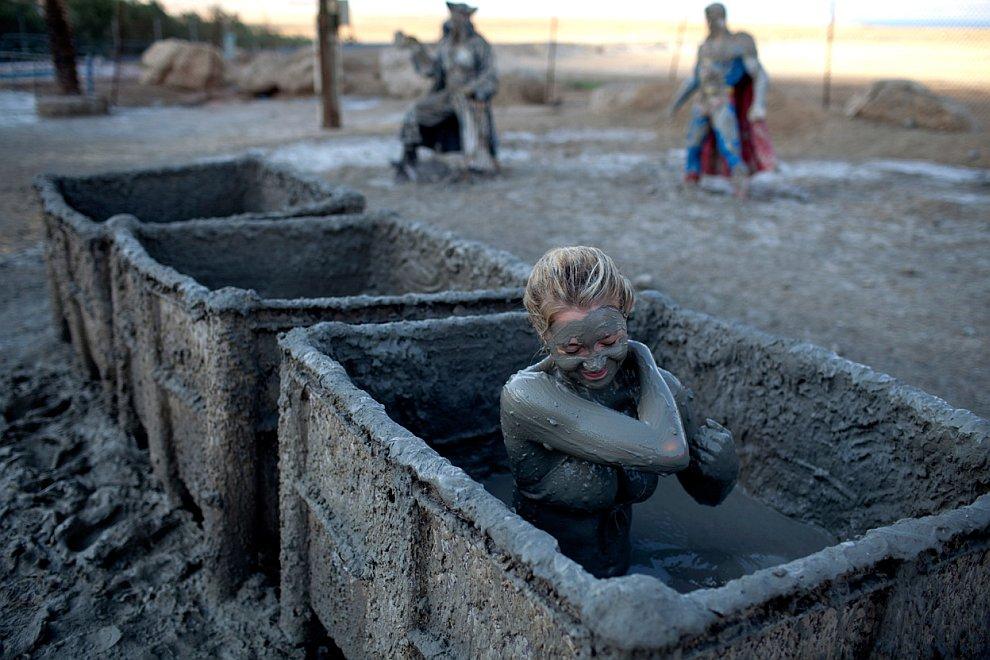 Грязевые ванны на легендарном израильском Мертвом море