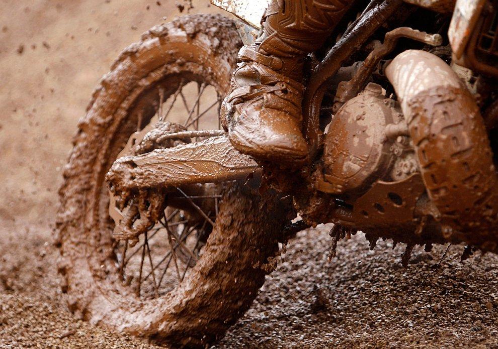 Мотокросс по грязи