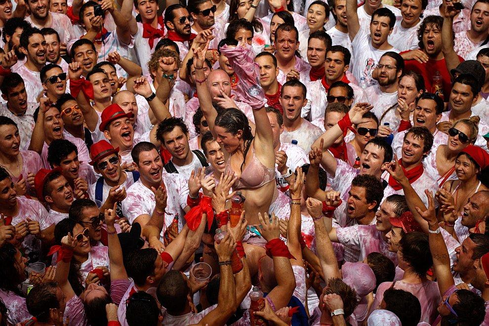 Испанский фестиваль Сан Фермин: бега быков 2012