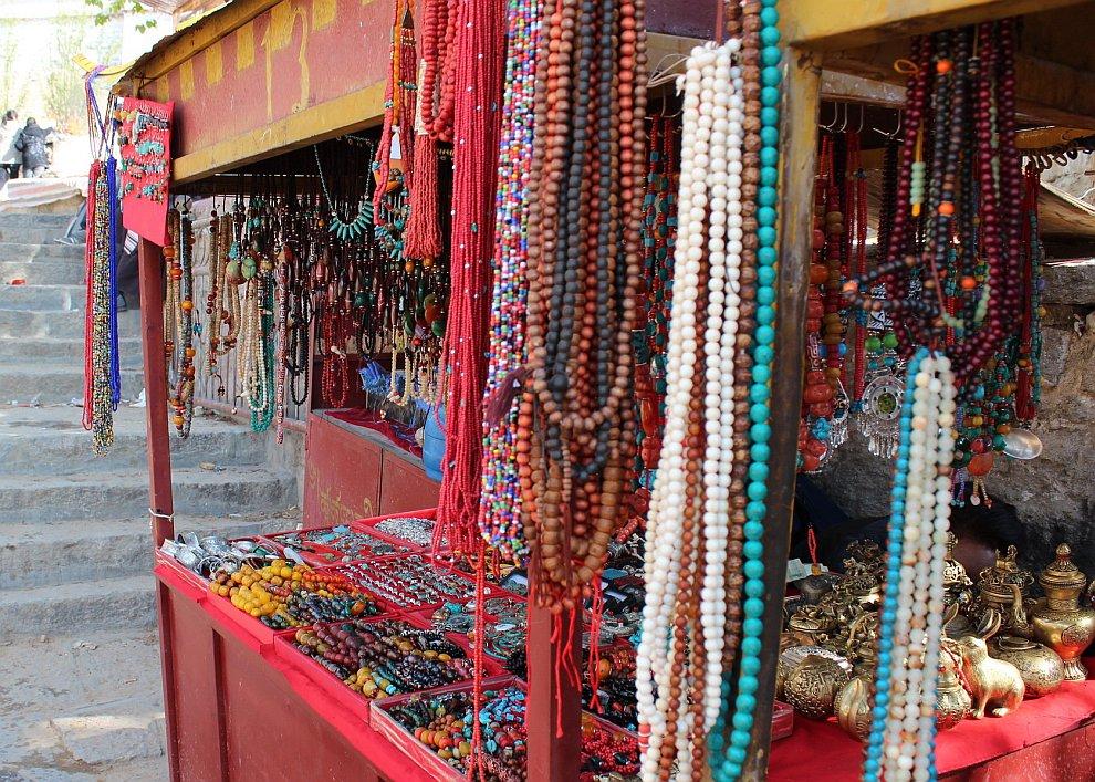 Тибет славится серебром