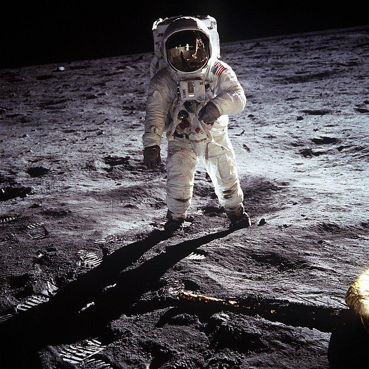 Нил Армстронг — первый человек на Луне (1930 — 2012)