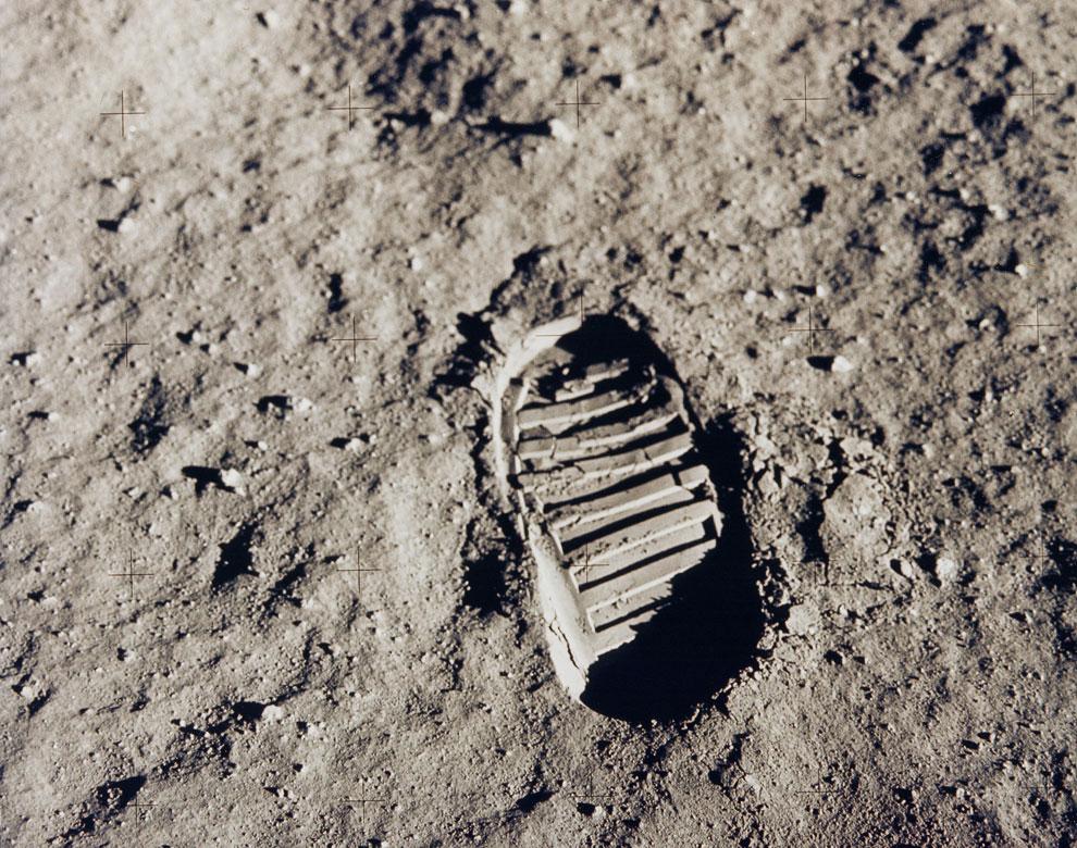 Маленький шаг для человека, но гигантский скачок для всего человечества