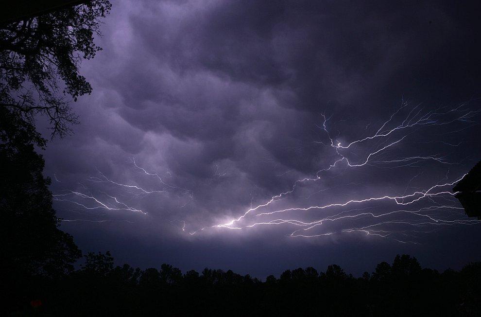 Удар молнии в городе Тайлер, штат Техас