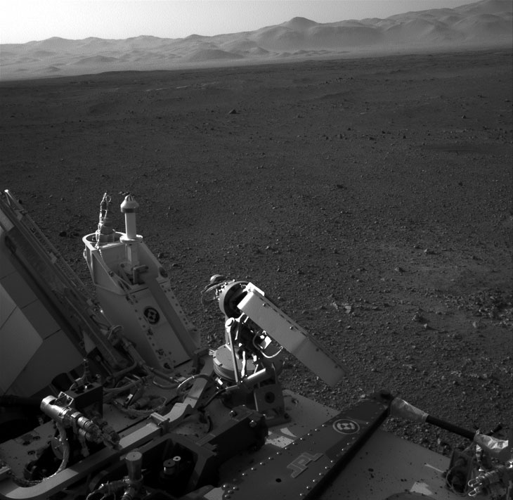 На этой фотографии видна часть марсохода Curiosity