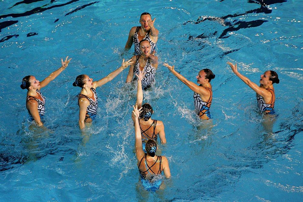 Российская сборная также завоевала золото в произвольной программе в финале соревнований по синхронному плаванию на ХХХ Олимпийских играх