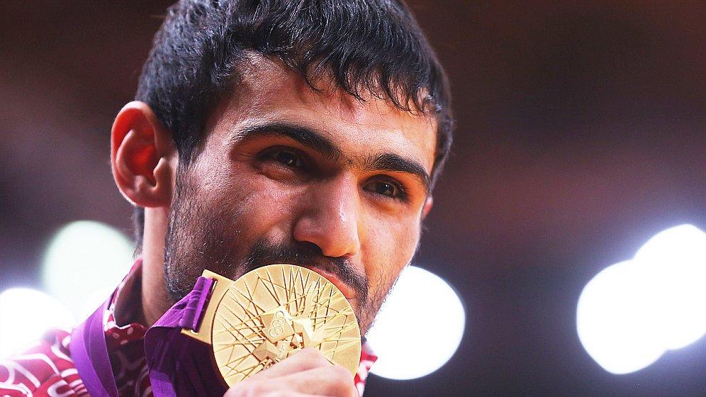 1-ю золотую медаль для России заработал Арсен Галстян