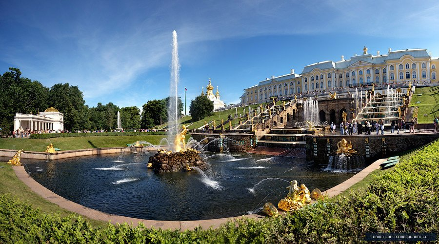 Главный фонтан Большого каскада