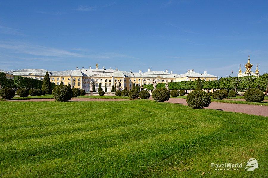 Большой дворец со стороны Верхнего сада