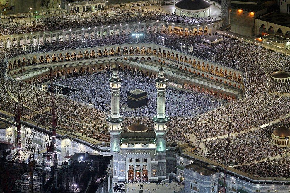 Тысячи мусульман в Мекке, Саудовская Аравия