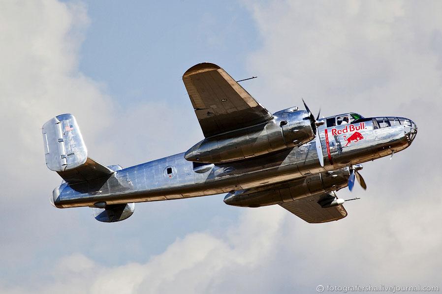 Норт Америкэн B-25 Митчелл