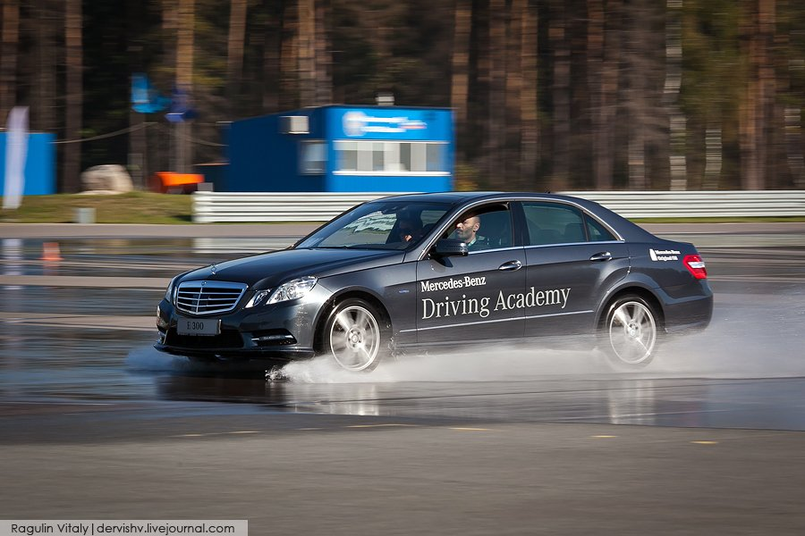 Тренинги безопасного вождения на автодроме Федеральной службы охраны