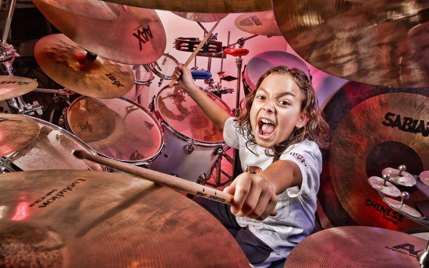 Самый молодой профессиональный барабанщик
