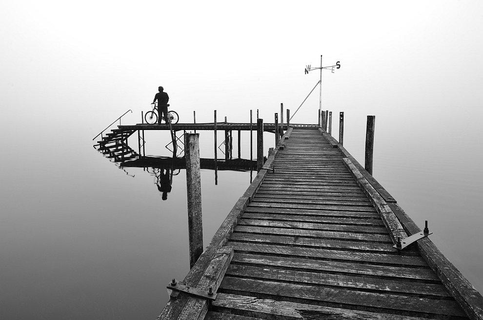 Пирс на озере в Новой Зеландии