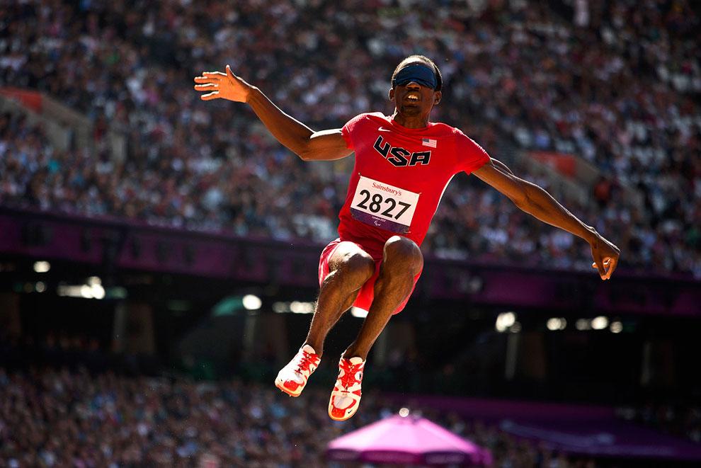 На фотографии американский спортсмен Таннер Гирс