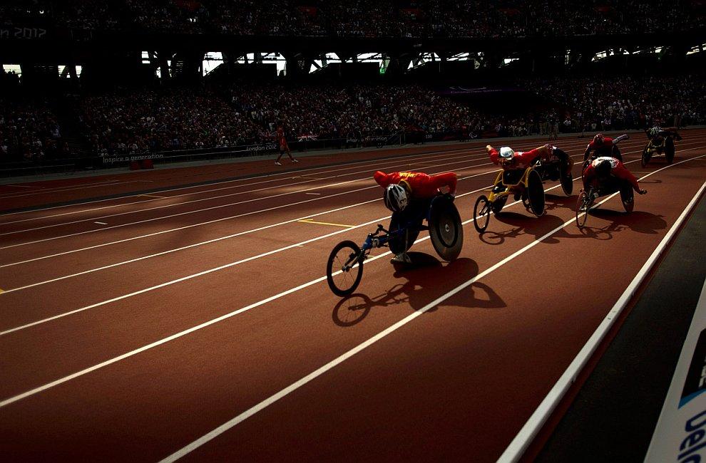 Гонки на колясках на 1500 метров