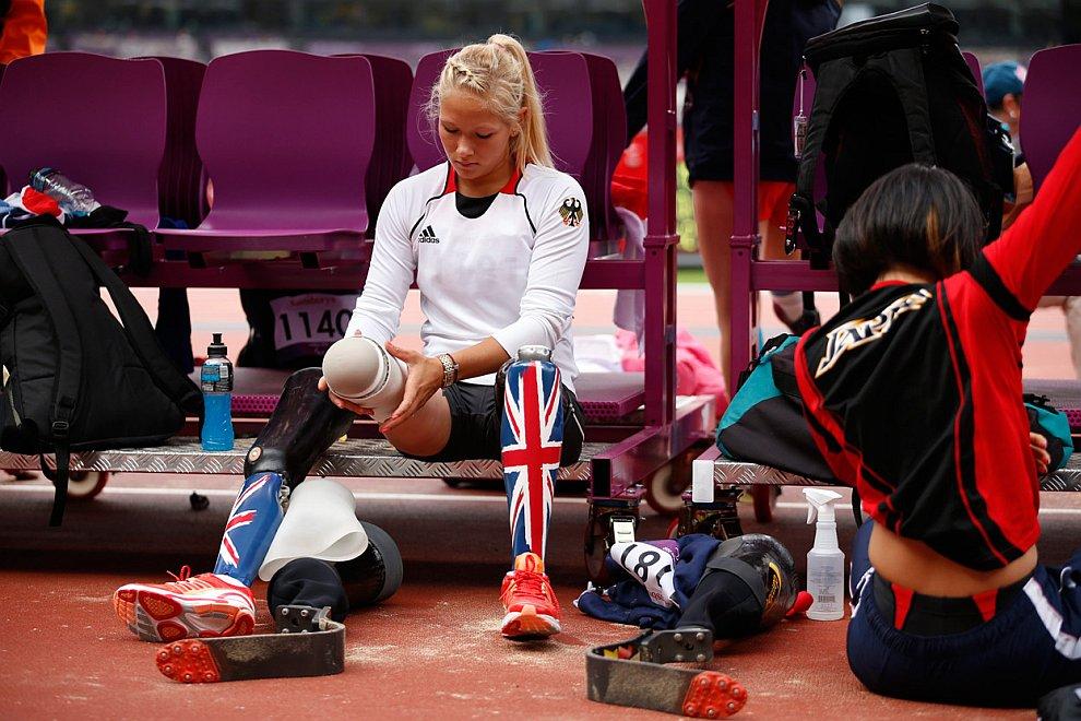 Немецкая спортсменка Ванесса Лоу готовится к финальным соревнованиям по прыжкам