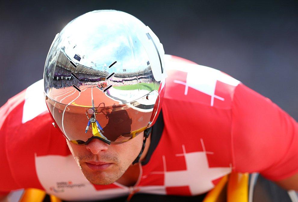 Гонки на колясках на дистанции 1 500 метров