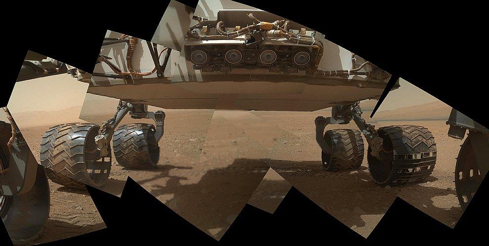 Марсоход Curiosity на поверхности Марса