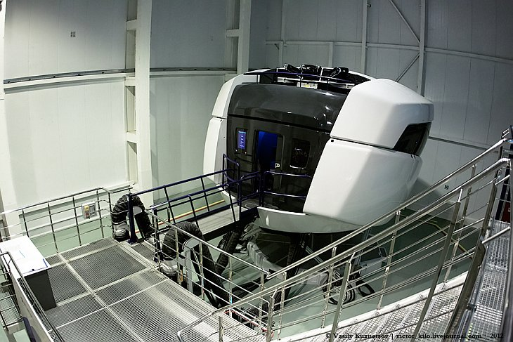 Sukhoi SuperJet 100 Full Flight Simulator