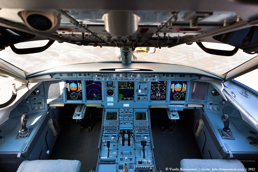 Sukhoi SuperJet cockpit