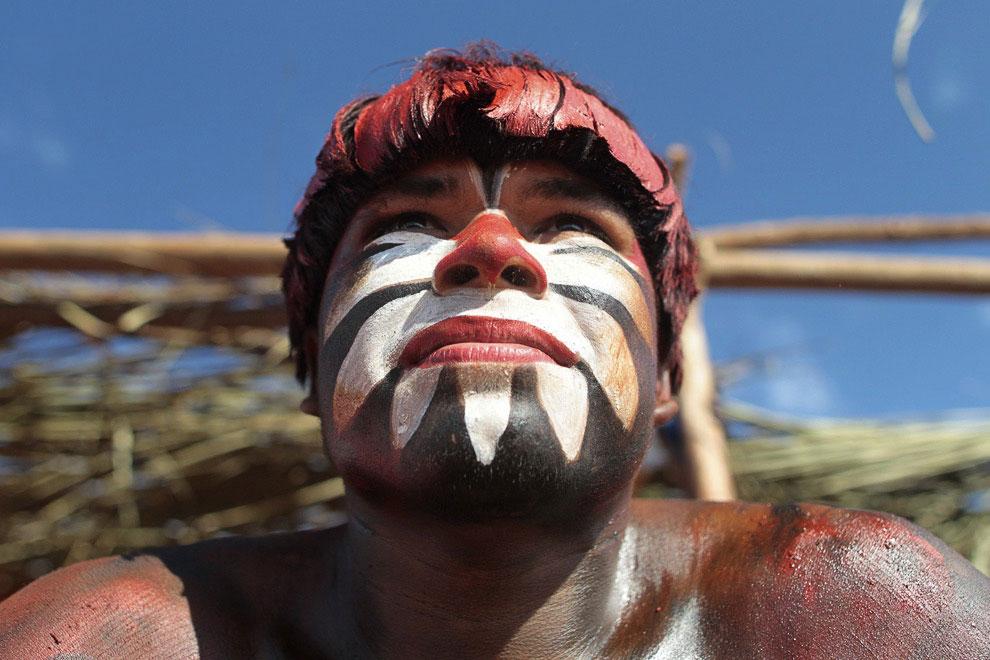 Жизнь племени в бассейне реки Амазонки