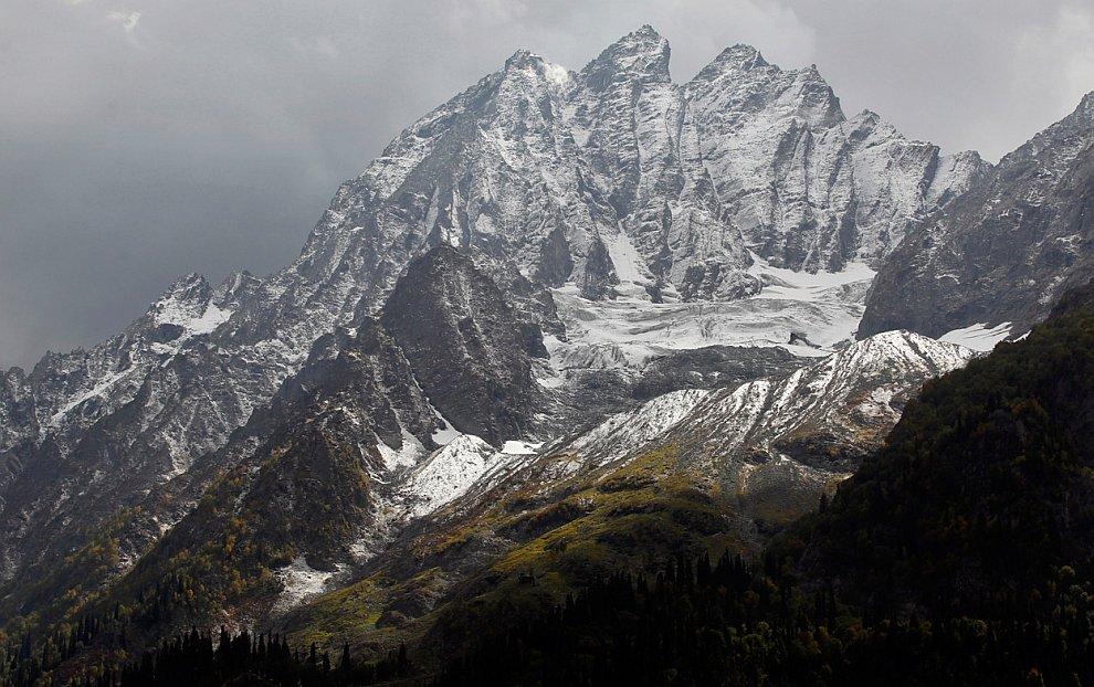Горные вершины вдоль шоссе Шринагар-Лех