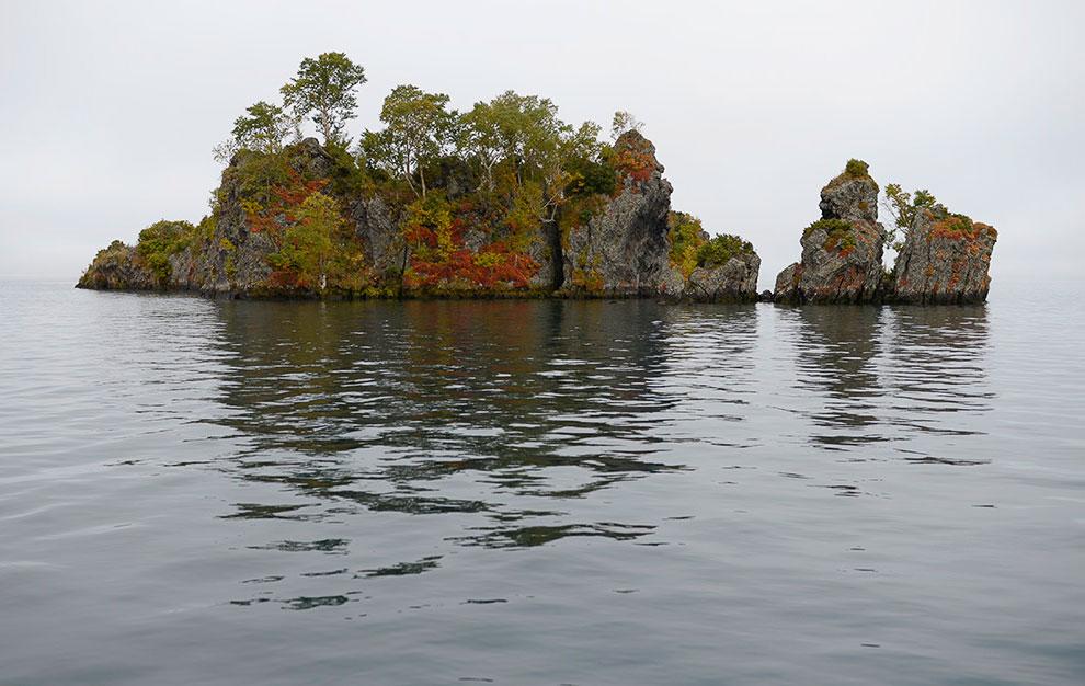 Лавовые островки недалеко от вулкана Ильинская сопка