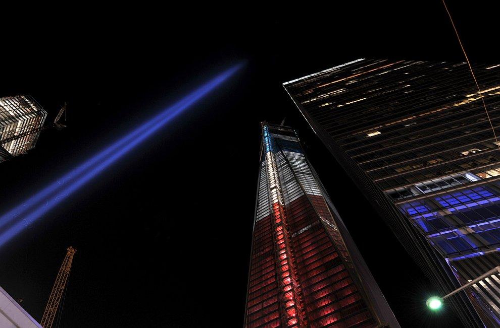 Световой мемориал «Дань в свете» в Нью-Йорке