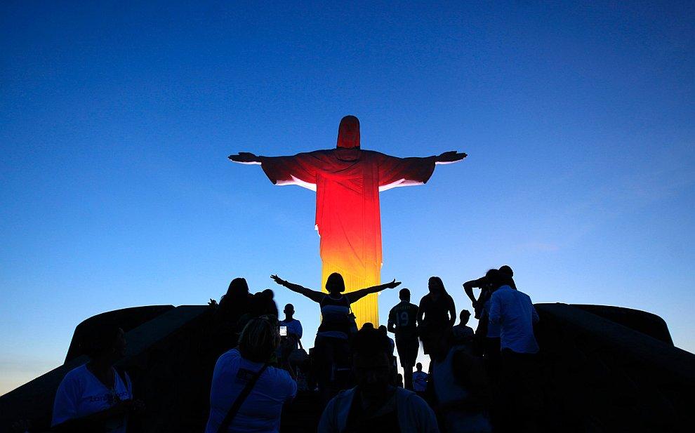 Знаменитая статуя Христа-Искупителя